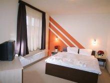 Hotel Fadd, Hotel Ágoston