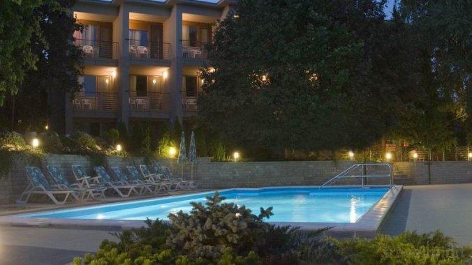 Hotel Villa Pax Balatonalmádi