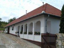 Pensiune Tokaj, Cabana Vadászház