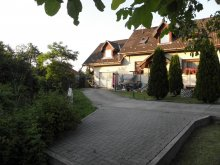 Apartment Vilyvitány, Fenyves Apartment