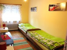 Hostel Balatonudvari, Hostel Retro