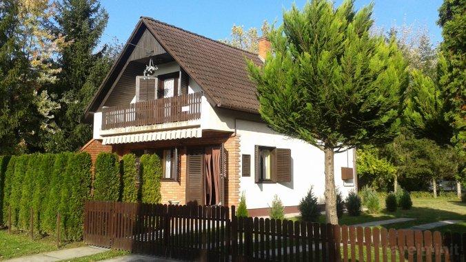 Napsugár Vacation house Csokonyavisonta
