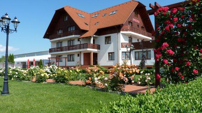 Hotel Garden Club Brașov