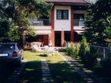 Casă de vacanță Jásd, Apartamente Napraforgó