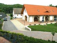Accommodation Váralja, Naspolya Guesthouse