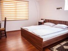Bed & breakfast Ghirbom, Acasa Guesthouse