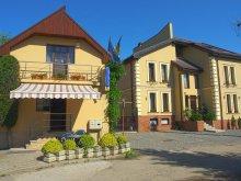 Panzió Kozmaalmás (Almașu Mare), Vila Tineretului Panzió