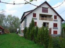Panzió Mogyorókerék (Alunișu), Magnólia Panzió
