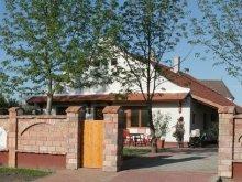Casă de oaspeți Tiszafüred, Casa de oaspeți Tornácos