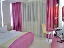 Accommodation Tămădău Mic, Hotel Christina