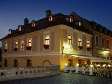 Hotel Tiszafüred, Hotel Offi Ház