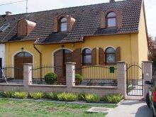 Casă de oaspeți Mezőkövesd, Pensiunea Rajna