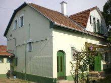Apartment Kiskőrös, Zsófia Guesthouse