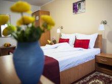 Accommodation Mărcești, Hotel La Casa