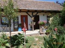 Casă de oaspeți județul Baranya, Casa de oaspeți Petra