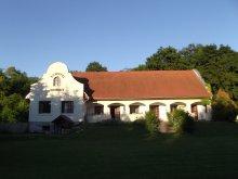 Casă de oaspeți Zebegény, Casa de oaspeți Schotti