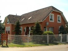 Accommodation Váralja, Cseppkő Guesthouse
