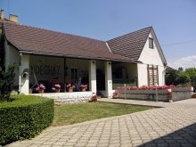 Cazare Tiszaújváros, Casa de oaspeți Hubert