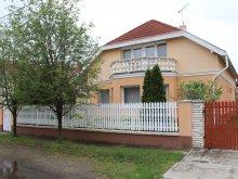 Casă de oaspeți Kismarja, Casa de oaspeți Tulipán