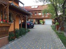 Panzió Rugonfalva (Rugănești), Fenyő Panzió
