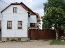 Casă de oaspeți Valea Giogești, Casa de oaspeți Kővár