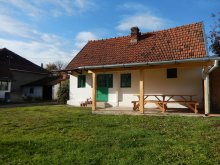 Accommodation Neagra, Turul Chalet