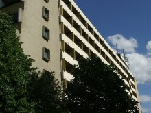 Hotel Döbrönte, Hotel Lelle