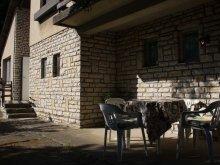 Apartament județul Veszprém, Casa de oaspeți Aura