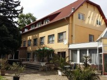 Hotel Balatonfűzfő, Hotel Kenese