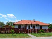 Cazare Cserkeszőlő, Casa de oaspeți Kemencés