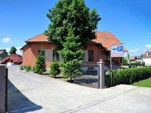 Cazare Ghiduț, Pensiunea & Restaurant Castel