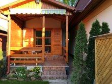 Casă de vacanță Poroszló, Casa de vacanță Kis