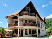 Pensiune Călugăreni, Pensiunea și Restaurant Csatári