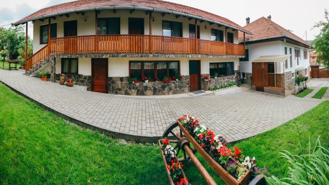 Gyöngyvirág Guesthouse Lupeni