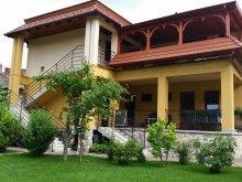 Guesthouse Kalocsa, Ágnes Guesthouses