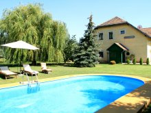 Bed & breakfast Balatonkenese, Tavaskert B&B