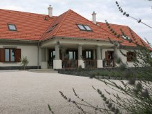 Vilă Marcalgergelyi, Casa de oaspeți Villa Tolnay