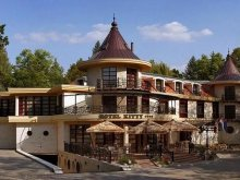Accommodation Tiszaújváros, Hotel Kitty
