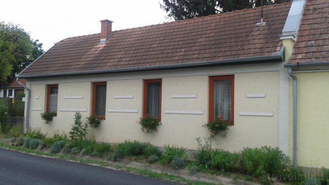 SZO-01: Rustic house for 4-5 persons Szólád