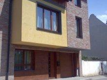 Apartament Giula (Gyula), Apartament Kolbászház
