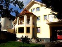 Apartament județul Baranya, Apartament Révész