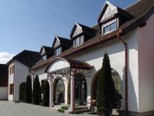 Hotel Buda (Berzunți), Hotel Prince