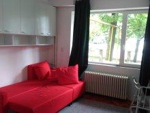 Apartament Călățea, Garsoniera Chios