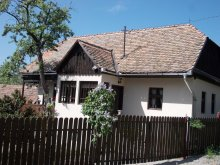 Kulcsosház Ludișor, Irénke Tájház