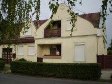 Chalet Szeged, Roxin Villa