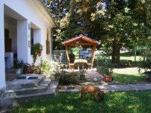 Accommodation Kalocsa, Kiskastély Guesthouse