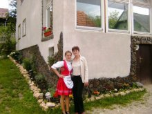 Casă de oaspeți Sârbi, Pensiunea Monika