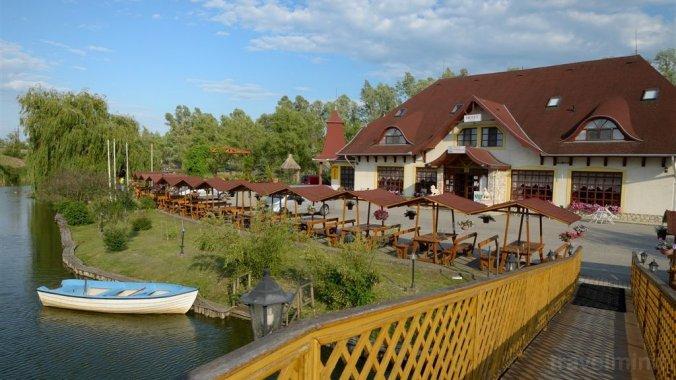Fűzfa Hotel és Pihenőpark Poroszló