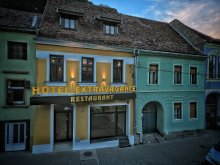Hotel Felsőszombatfalva (Sâmbăta de Sus), Extravagance Hotel