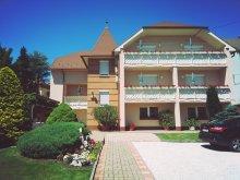 Villa Balatongyörök, Klára Villa
